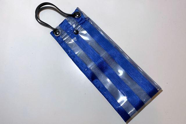 四角いバッグのような形