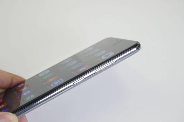 「Galaxy S」シリーズの特徴を継承する薄型ボディの「Galaxy S20+ 5G」