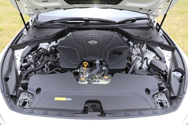 日産「スカイライン 400R」に搭載されている「VR30DDTT」V型6気筒ツインターボエンジン