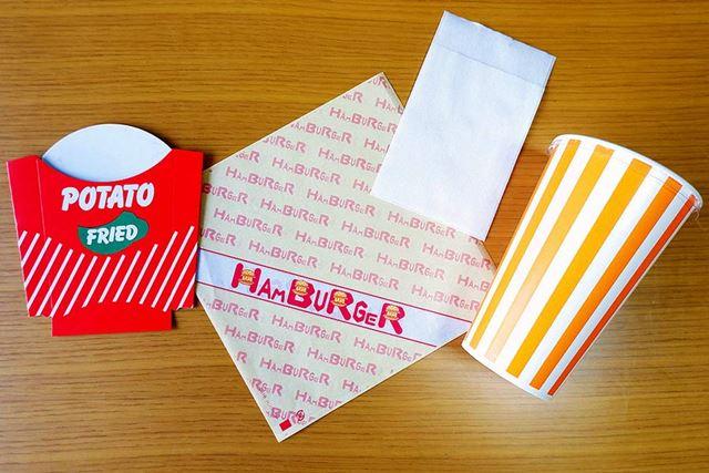 こちらが購入したアイテム。お店っぽいハンバーガーには欠かせない「バーガー袋」を含む、業務用セット一式