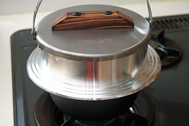 炊飯のプロセスも白いごはんを炊いた時と同じ。最初から強火で加熱します