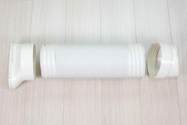 排気ダクトの組み立ては、ホースの両端にダクトエンドを装着するだけ。排気ダクトの長さは約30〜120cm