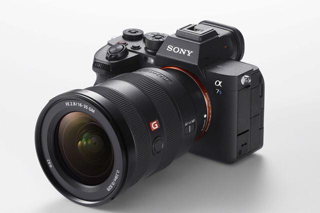 新開発の撮像素子や画像処理エンジンを搭載したα7S III。動画撮影機能は4K/120pに対応する