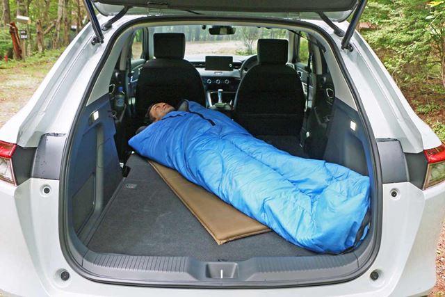 SUVの中でもトップクラスの寝心地のよさ!車中泊にガチで推せるホンダの新型「ヴェゼル」
