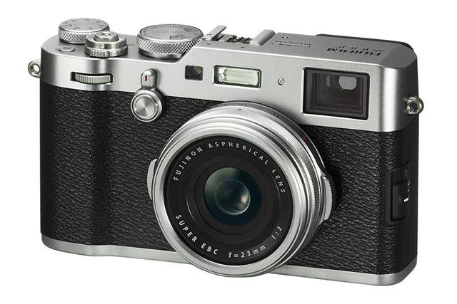 クラシックカメラ風のデザインも魅力の富士フイルム「X100F」