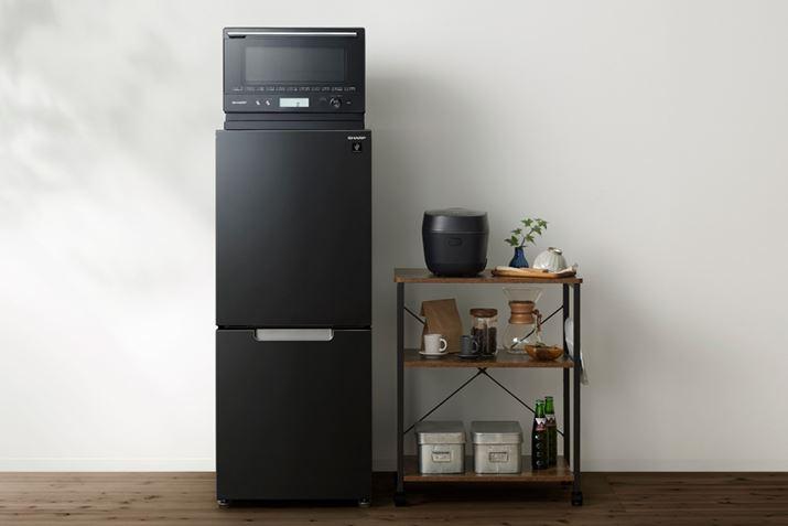 Nếu bạn đặt lò vi sóng hoặc lò vi sóng trên tủ lạnh, việc bảo quản thật gọn gàng.