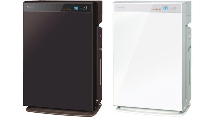 Chiếu xạ bộ lọc tạo ẩm và khay nước bằng máy phun nước để ngăn chặn sự phát triển của vi trùng.