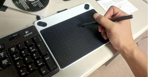 絵 を 描く とき の ペン