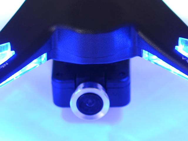 FPVを楽しみながら動画×静止画が撮影可能なマルチファンクションカメラを標準装備。