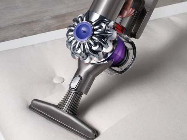 フトンフール:ワイドで平らな掃除ツールで、布団などの寝具の内側から隅々まできれいにします。