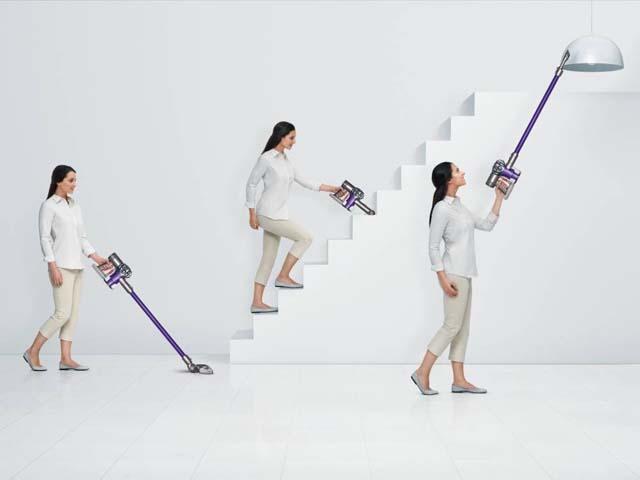手元に重心を置いた設計により、高い場所も、低い場所も、そして狭い隙間のお掃除にも。