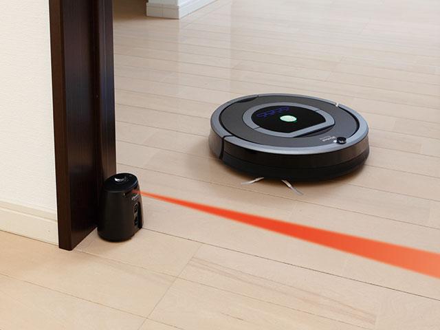 付属品の「お部屋ナビ」を使うと、複数のお部屋を順番にお掃除できます。複数のお部屋も確実にお掃除するための機能です。 ※780のみ