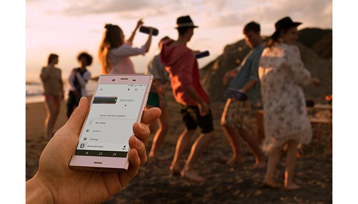 スマートフォンでワイヤレス操作ができる「Music Center」に対応