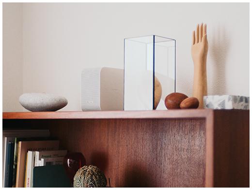 空間に溶け込むシンプルなデザイン