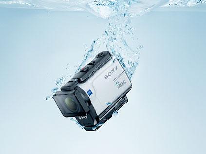 60m防水ハウジングが付属、防塵性・耐衝撃性・耐低温性も確保