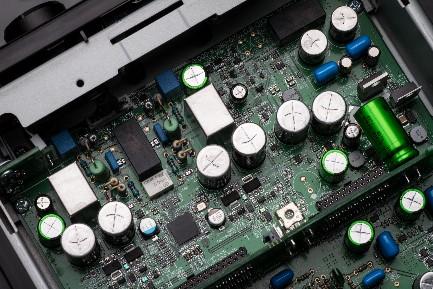 「DDFA™」採用フルデジタル・プロセッシング・ヘッドホンアンプ