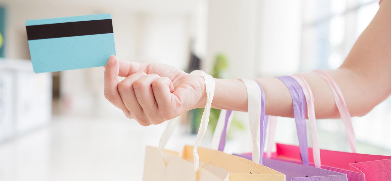 限度 クレジット 額 利用 上げる カード