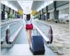 海外旅行で便利なクレジットカードの選び方 保険の補償額や両替手数料がポイント!