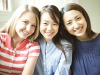 オンライン英会話では初心者向けテキストや日本語で対応できるスクールもあります