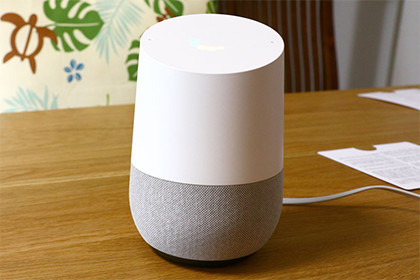 Google Home 正面