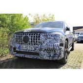 AMG秘密施設で激写…メルセデス最高級SUV「GLS63」新型、2020年デビューへ