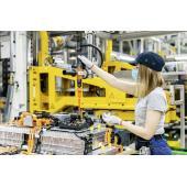 メルセデスベンツ、電動化を加速…バッテリーのグローバル生産ネットワークを拡大
