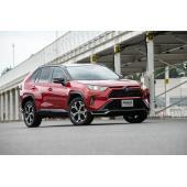トヨタが「RAV4 PHV」を発表 95kmのモーター走行が可能なプラグインハイブリッドモデル