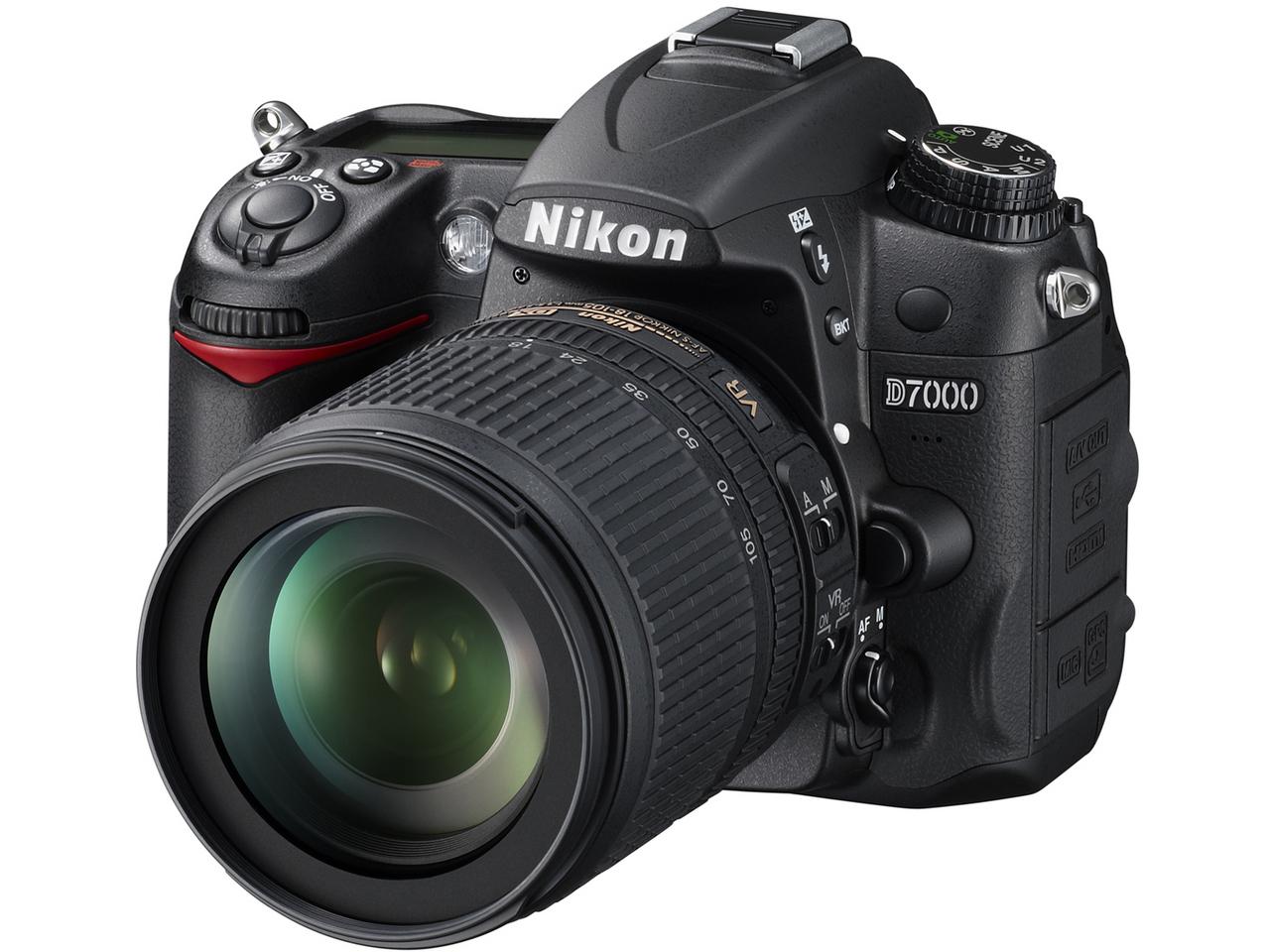 『本体 正面2』 D7000 18-105 VR レンズキット の製品画像