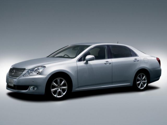 トヨタ クラウン マジェスタ 2009年モデル 新車画像