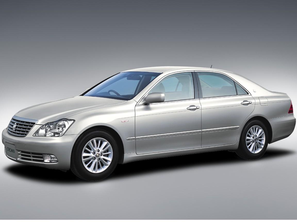 トヨタ クラウン ロイヤル 2003年モデル 新車画像