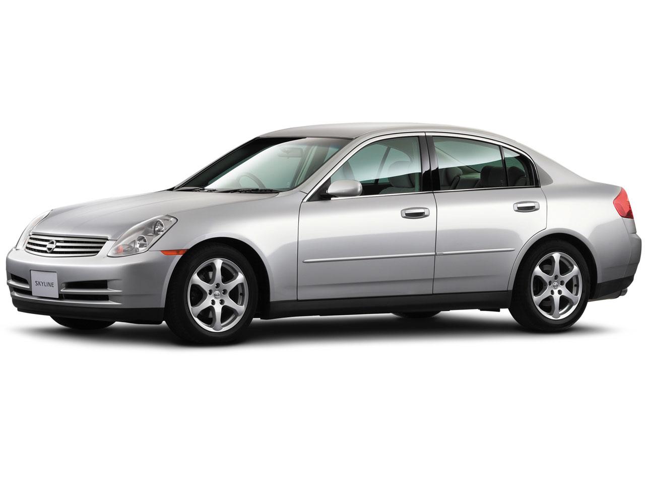 日産 スカイライン 2001年モデル 新車画像