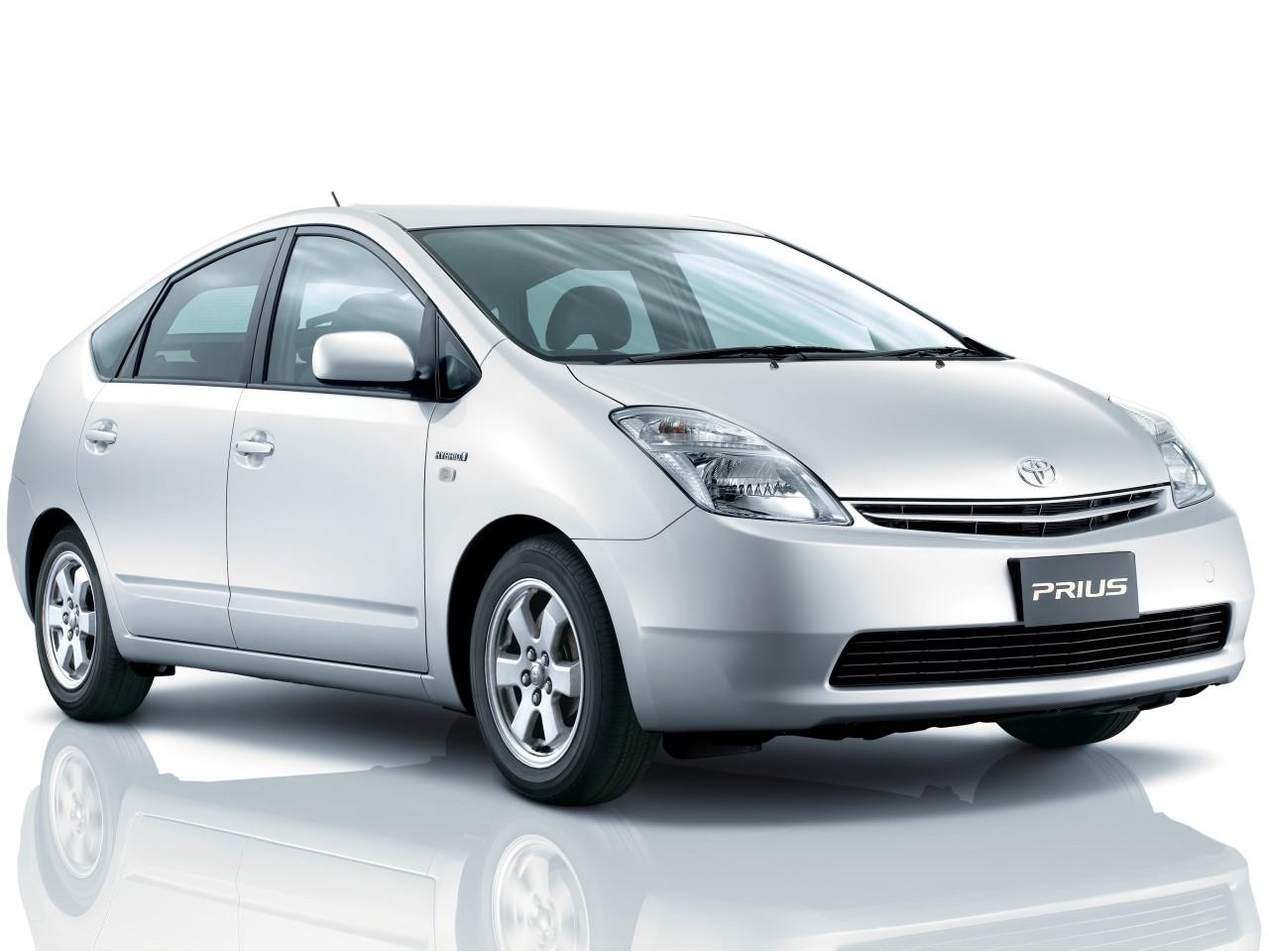 トヨタ プリウス 2003年モデル 新車画像