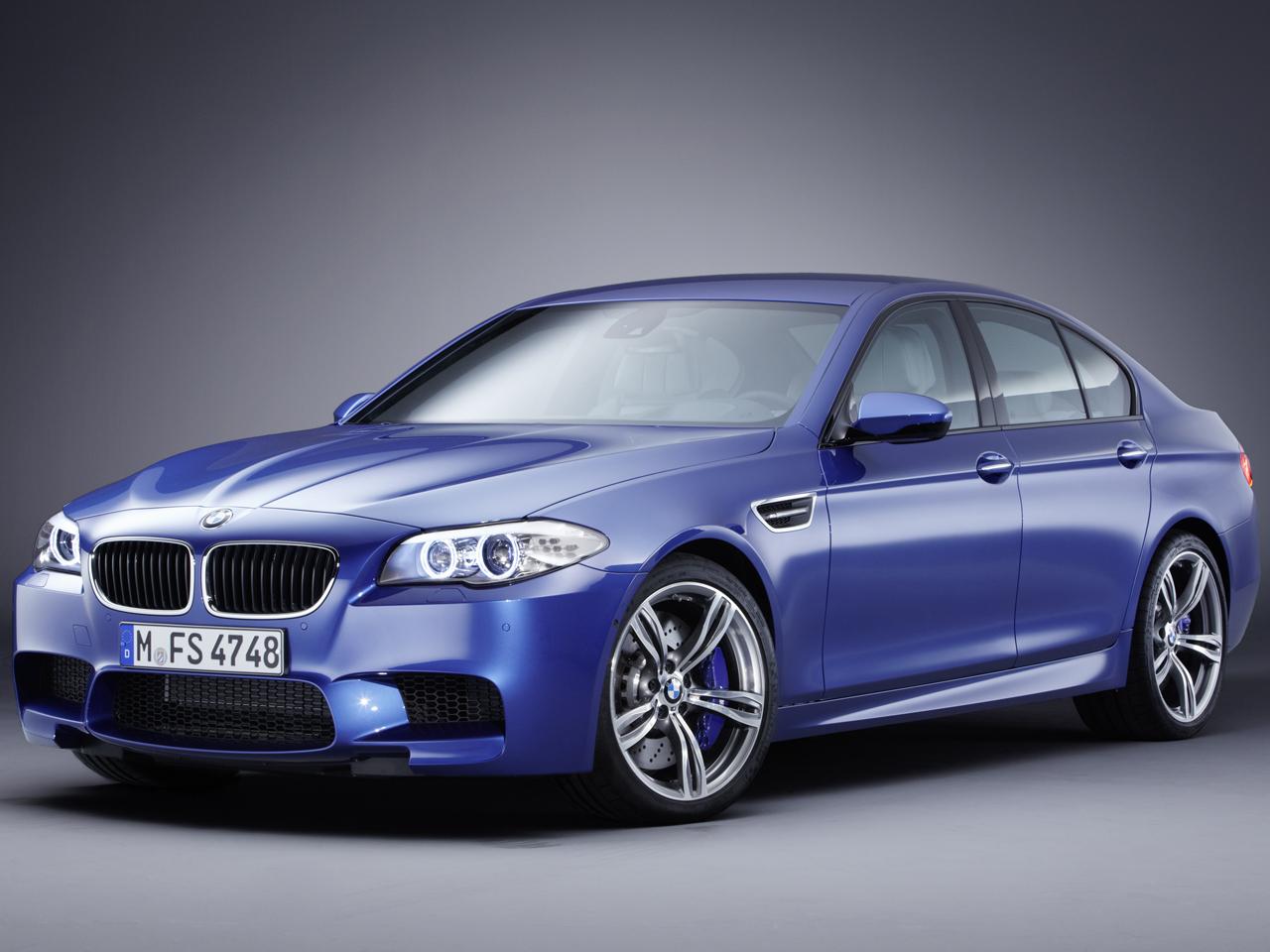 BMW M5 セダン 2011年モデル 新車画像