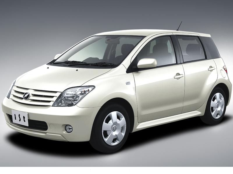 トヨタ ist 2002年モデル 新車画像