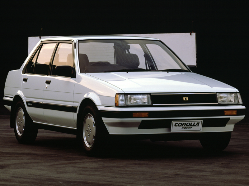 トヨタ カローラ 1983年モデル 新車画像