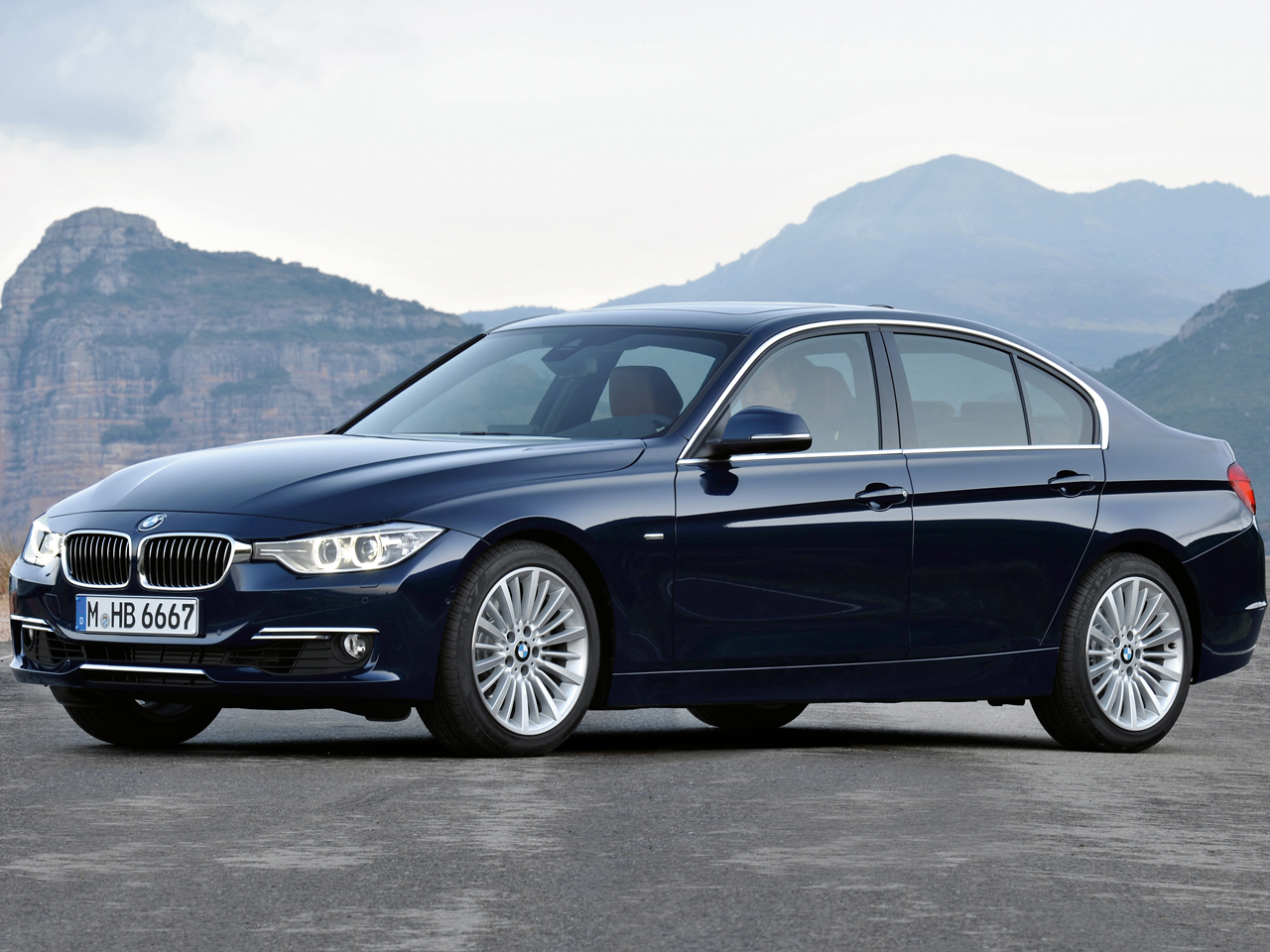 BMW 3シリーズ セダン 2012年モデル 新車画像