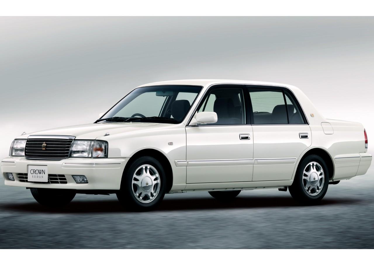 トヨタ クラウン セダン 2001年モデル 新車画像
