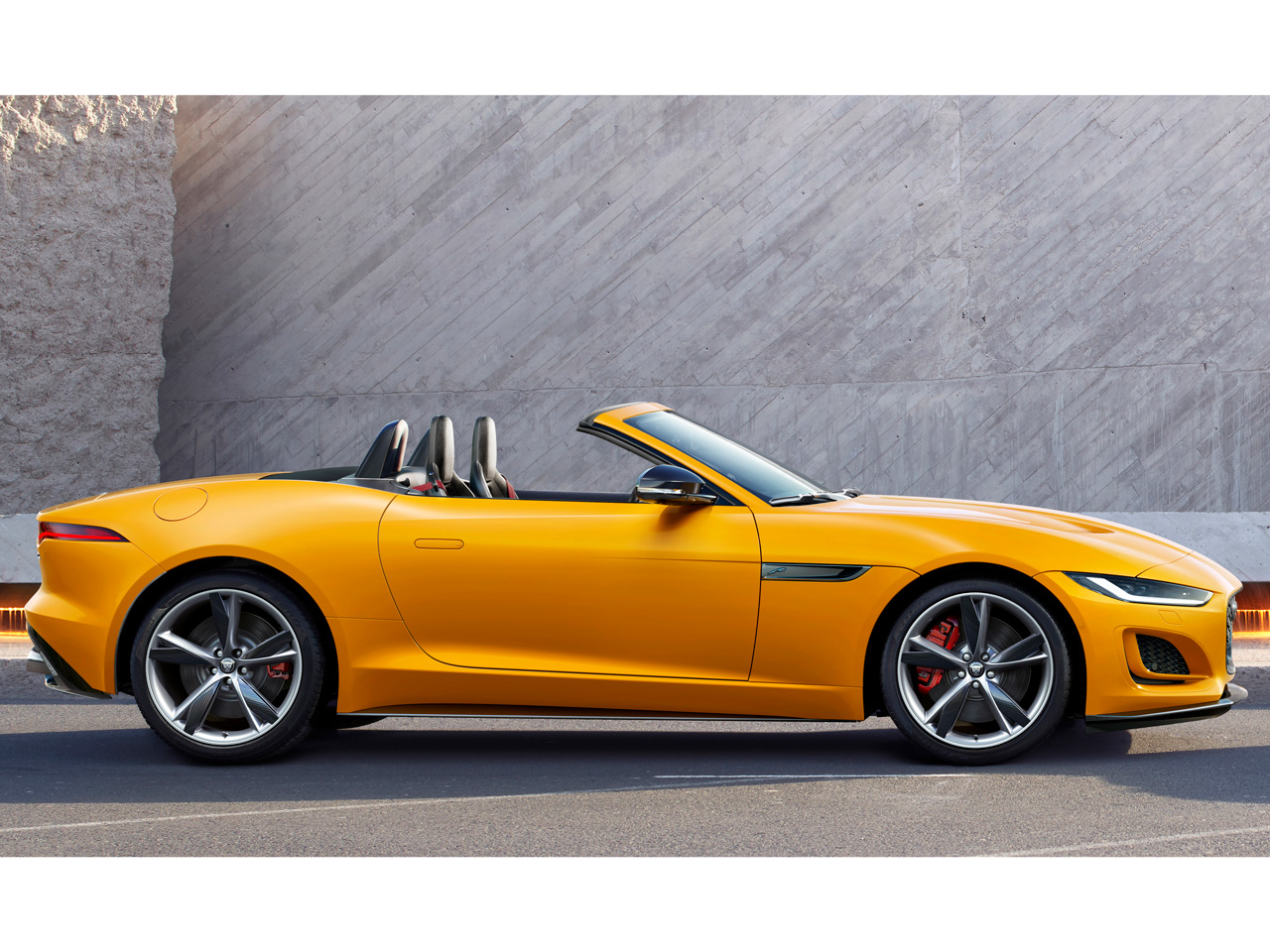 ジャガー Fタイプ 2013年モデル 新車画像
