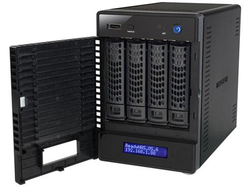 『本体 正面 斜め2』 ReadyNAS 104 4ベイ デスクトップ型ネットワークストレージ RN10400-100AJS の製品画像