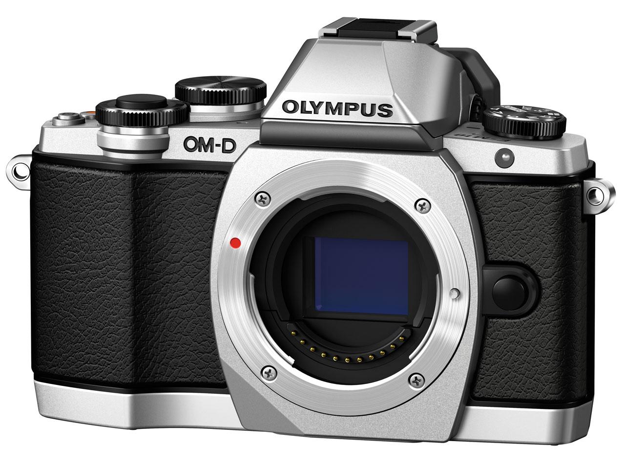 『本体 正面4』 OLYMPUS OM-D E-M10 14-42mm EZ レンズキット [シルバー] の製品画像