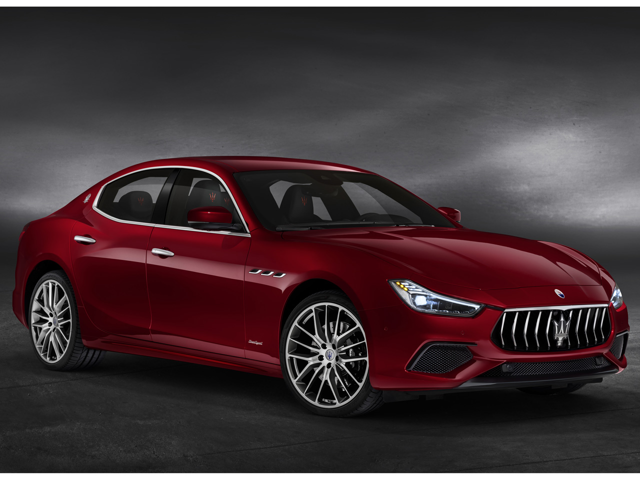 マセラティ ギブリ 2013年モデル 新車画像