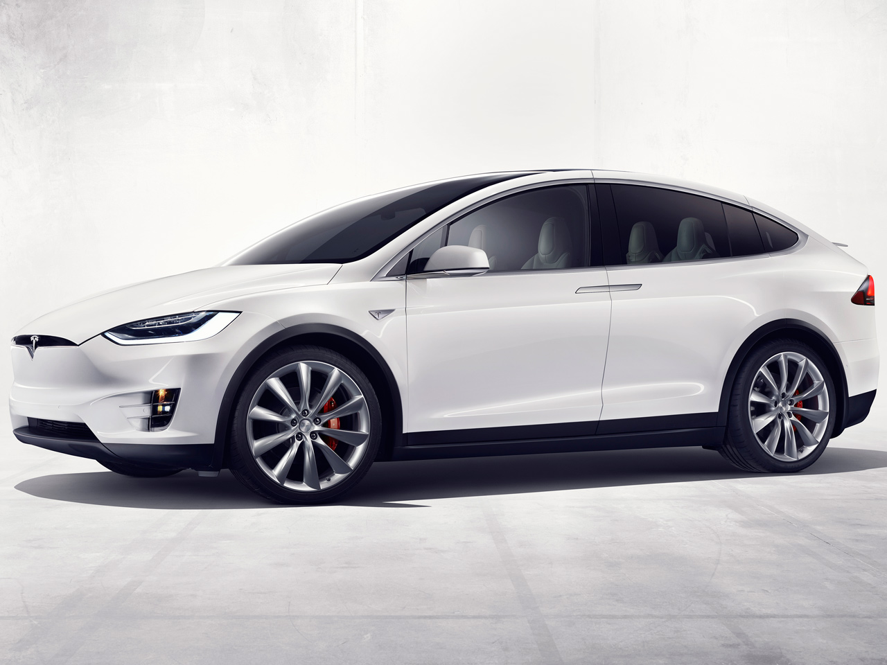 テスラ モデルX 2016年モデル 新車画像