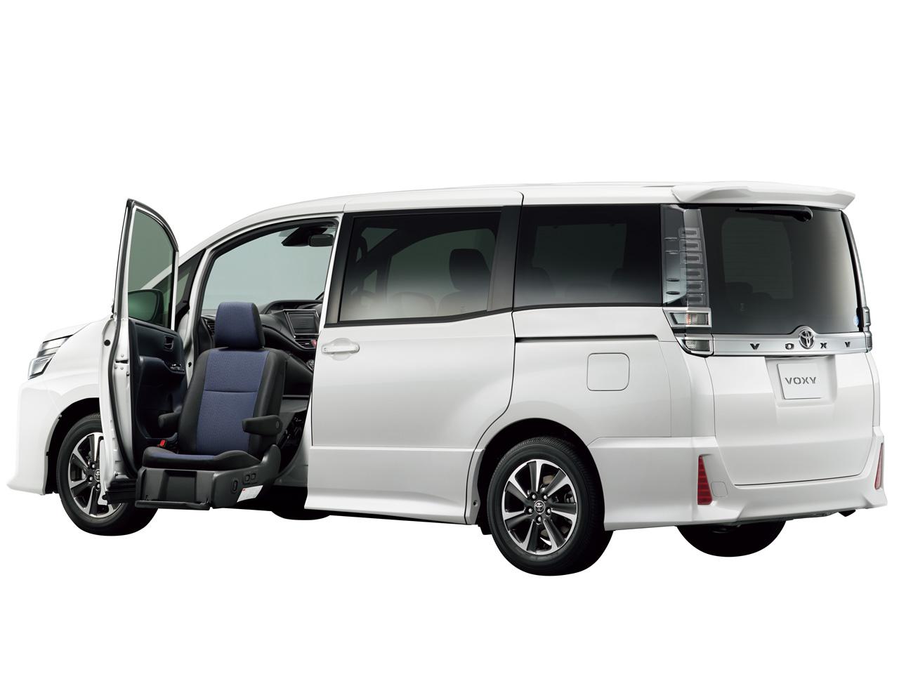 トヨタ ヴォクシー 福祉車両 2014年モデル 新車画像