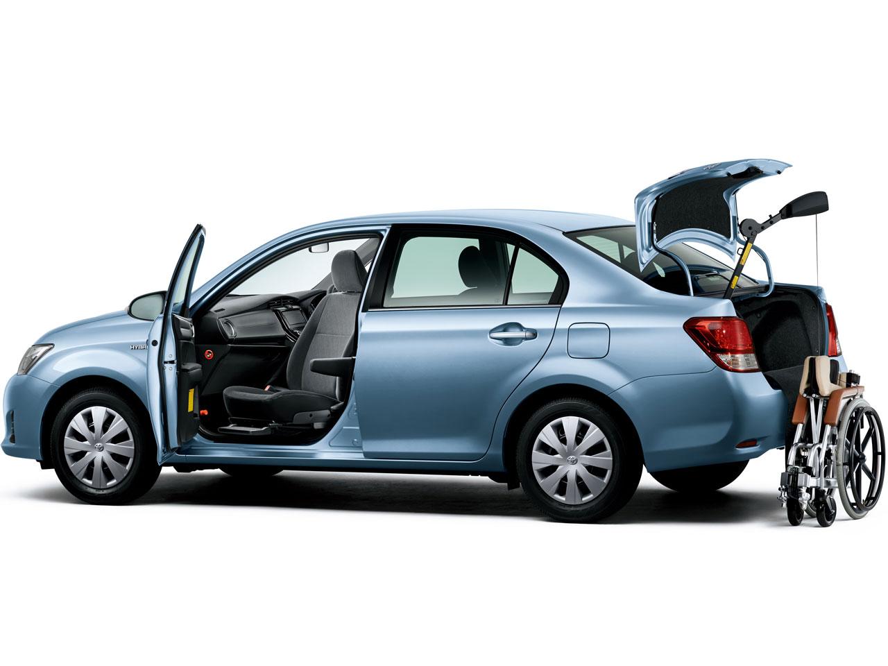 トヨタ カローラ アクシオ 福祉車両 2012年モデル 新車画像