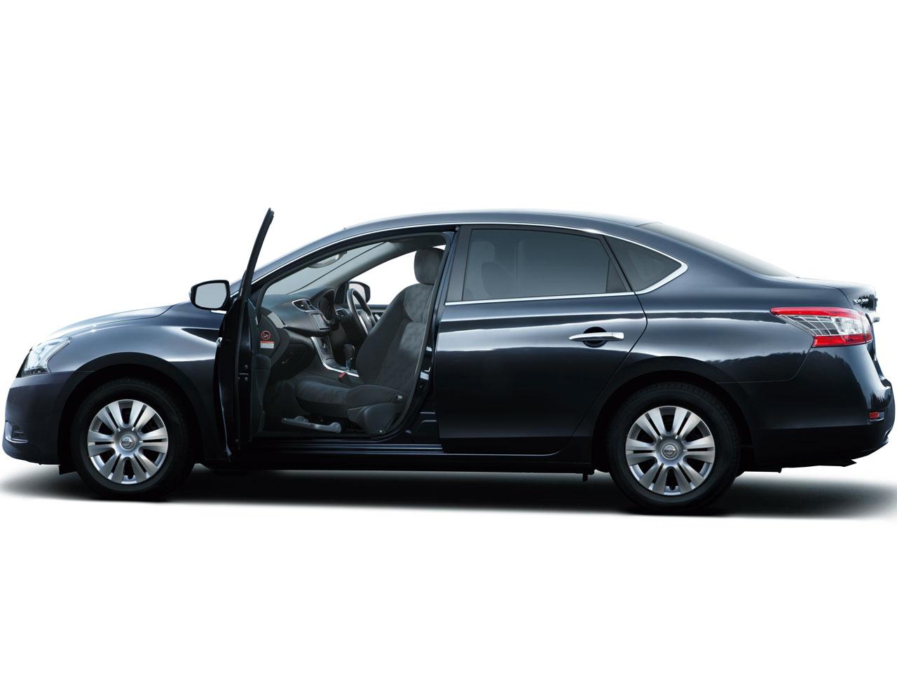 日産 シルフィ 福祉車両 2012年モデル 新車画像