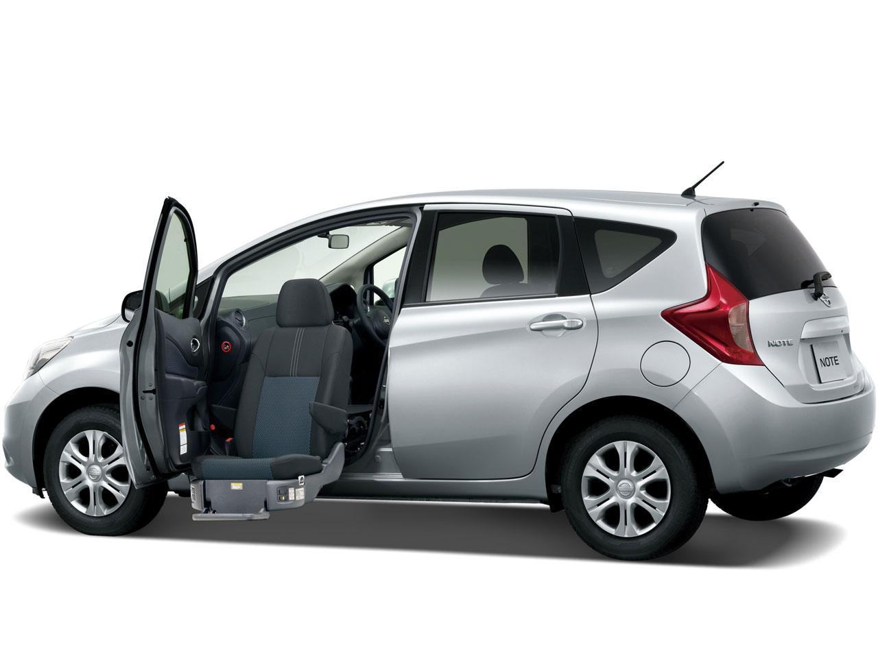 日産 ノート 福祉車両 2012年モデル 新車画像