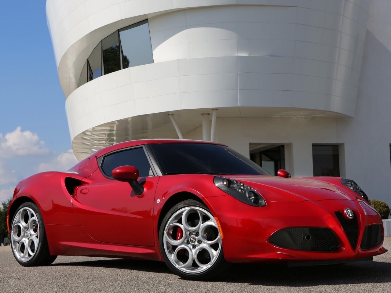 アルファロメオ 4C 2014年モデル 新車画像