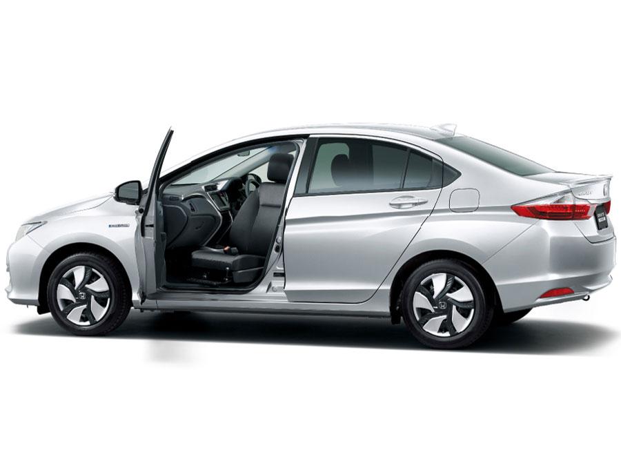 ホンダ グレイス ハイブリッド 福祉車両 2014年モデル 新車画像