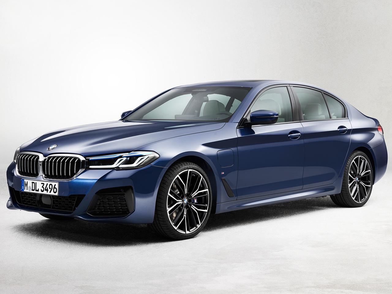 BMW 5シリーズ セダン プラグインハイブリッド 2017年モデル 新車画像