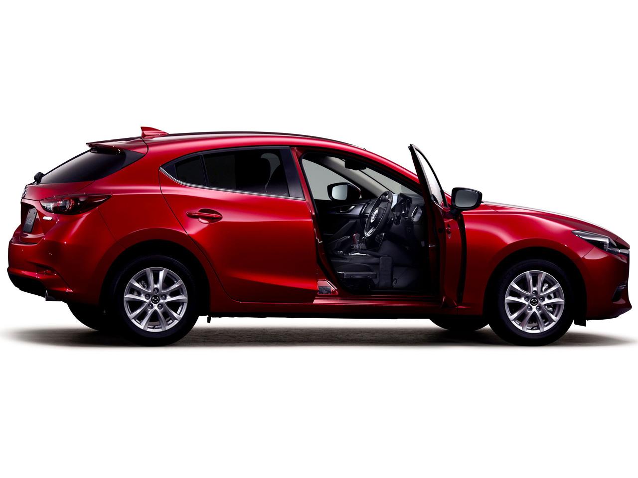 マツダ アクセラスポーツ 福祉車両 2017年モデル 新車画像